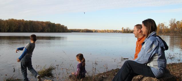 automne, rivière, famille